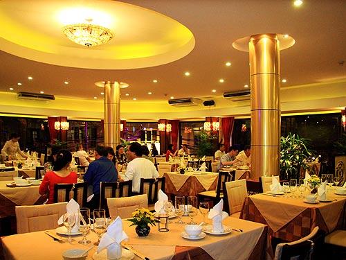 Các bước thực hiện chiến dịch SMS Marketing trong nhà hàng.